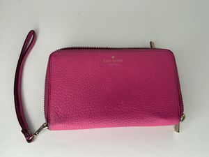 Kate Spade Pink Women's Wallet wristlet with all around Zipper for Sale in Gresham, OR