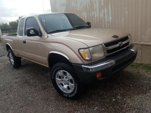 Toyota Tacoma pre,running year 2000 for Sale in Phoenix, AZ