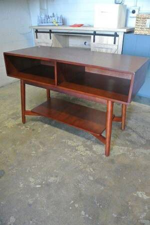 Convenience Mid Century Wood TV Stand in Mahogany for Sale in Mesa, AZ
