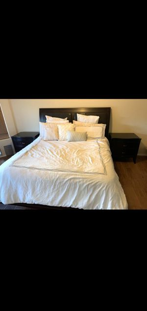 California king mattress and bed frame for Sale in Phoenix, AZ