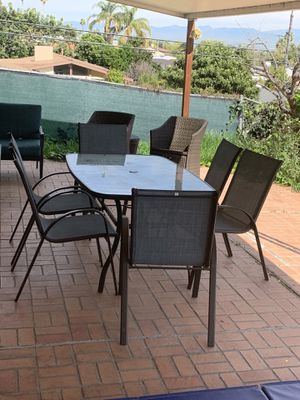Outdoor dining table set for Sale in Los Angeles, CA