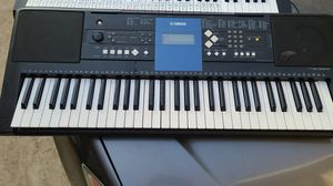 Yamaha PSR-E333 electric musical keyboard for Sale in Los Angeles, CA