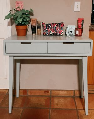 mint green 2 drawer desk/ makeup table for Sale in Norco, CA