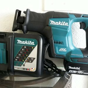 Makita Reciprocating , Battery 4.0 And Fast charger...NEW for Sale in Adelanto, CA