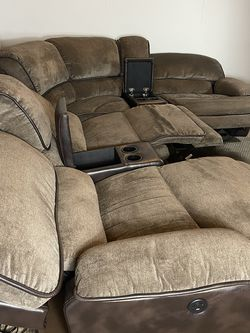 Power Recliner Sectional Couch Sofa *Free Delivery* for Sale in Cherry Hill,  NJ