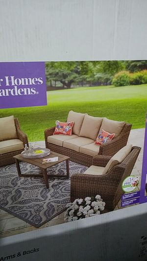 Better Homes and Gardens 4 pc Patio Furniture Hawthorne Park for Sale in Normandy Park, WA