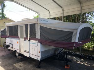 2005 FLEETWOOD NIAGARA POP UP CAMPER TRAVEL TRAILER for Sale in Orlando, FL