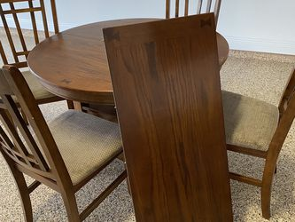 Dining Table w/ 4 chairs and leaf for Sale in Winter Garden,  FL