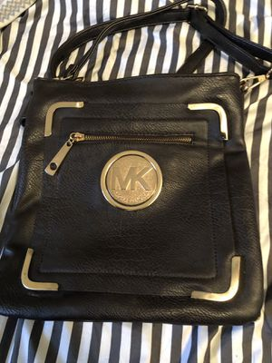 MK cross body bag expresso for Sale in Clifton, NJ