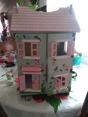 Doll house for Sale in Hayward, CA