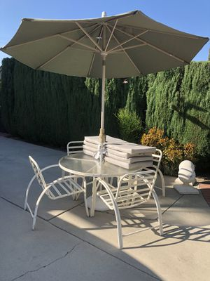 Patio set COVIT Cleaned for Sale in Long Beach, CA