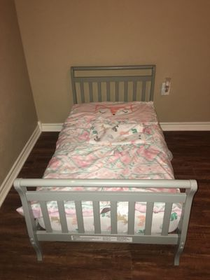 Toddler bed, bedding and mattress for Sale in Hallsville, TX
