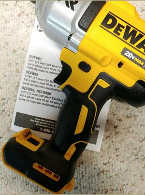 Dewalt Impact Wrench 20-Volt Max XR 1/2 in. (Tool-Only) for Sale in Los Angeles, CA