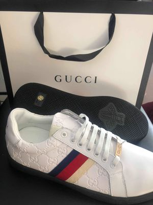 Brand new gucci men shoes size 10 for Sale in Hollywood, FL