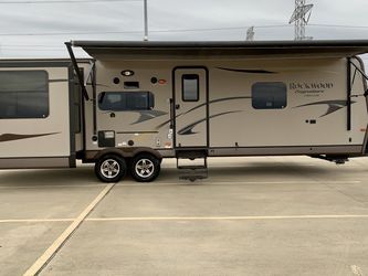 All seasons RVs 10540 Cypress Creek Parkway, Houston, TX 77070 for Sale in Houston,  TX