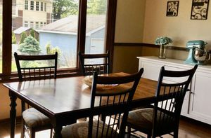 Kitchen Table & Chairs for Sale in Elmhurst, IL