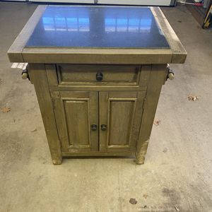 Kitchen Island for Sale in SLAUGHTERVL, OK