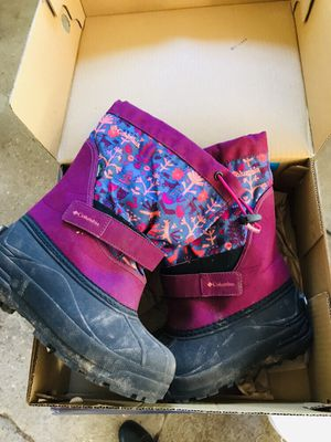 Girls Size 2 Columbia Winter Boots for Sale in Amherst, NH