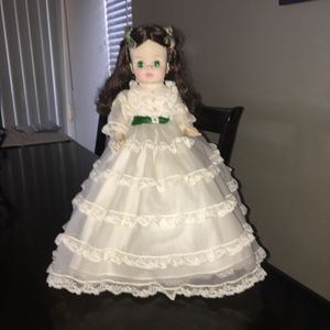 Vintage 14 Inch Madame Alexander Gone With The Wind Doll Excellent Condition for Sale in El Cajon, CA