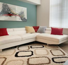 Beautiful 2-Piece Leather-Look Fabric Sectional - White for Sale in Puyallup,  WA