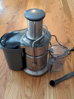 Breville Juice Fountain Elite 800jexl for Sale in Chelmsford,  MA
