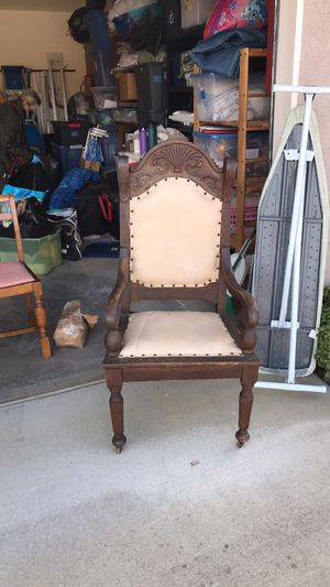 Vintage chair for Sale in Paso Robles, CA