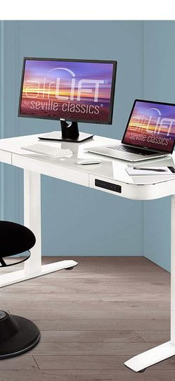Excellent Condition Standing Desk - Electric, White, USB Charging Ports, Memory Settings for Sale in South Brunswick Township,  NJ