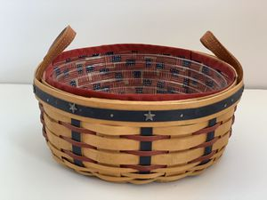 Longaberger Americana Basket with Liner for Sale in Hamilton, OH