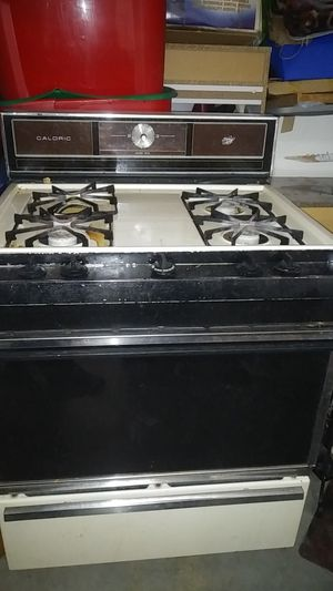 Stove with working oven for Sale in South El Monte, CA