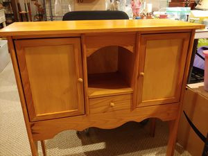 Wood Accent Side cabinet 1 drawer 2 doors for Sale in Mount Hope, KS