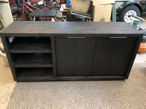 TV Stand L62 w30 H18 for Sale in Vero Beach, FL