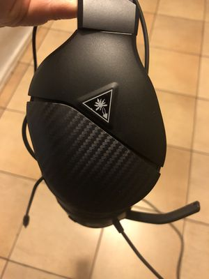 Turtle Beach - Recon 200 Amplified Gaming Headset for Xbox One & Xbox Series X|S, PlayStation 4, PlayStation 5 and Nintendo Switch - Black like new for Sale in Bell, CA