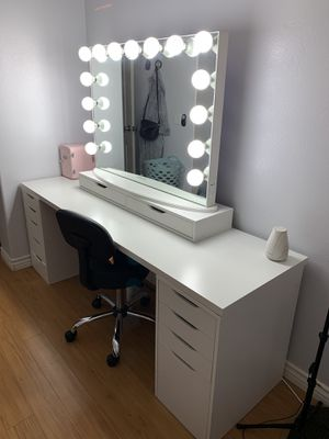 IMPRESSIONS VANITY AND TABLE FOR SALE! for Sale in Anaheim, CA