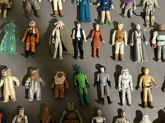 Lot of 56 Star Wars Action Figures from the '80s for Sale in South Elgin,  IL