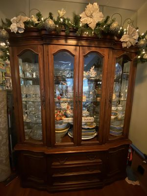 Antique China Cabinet for Sale in Rossmoor, CA