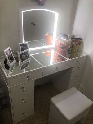 Makeup Vanity for Sale in Anaheim, CA