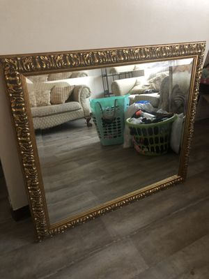 Large Antique Mirror for Sale in Belvedere, SC