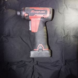 """SNAP-ON - CT725A - 1/4"""" - 14.4V MICROLITHIUM - 1/4"""" IMPACT DRILL + BATTERY for Sale in SeaTac, WA"""