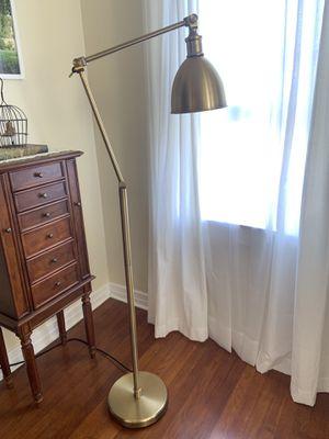 Floor Lamp for Sale in Chula Vista, CA