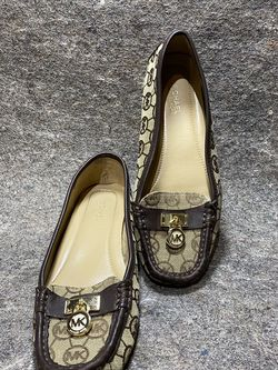 Michael Kors Loafers Driving Flats Sz 6 for Sale in Knightdale,  NC