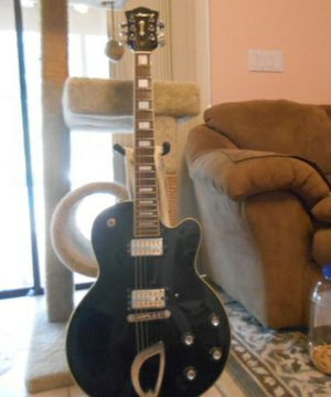 DeArmond/Guild M-75 Black Guitar (no case) for Sale in Wellington, FL