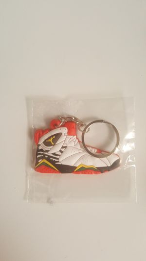 Keychain Jordan 7 yellow white retro for Sale in Queens, NY