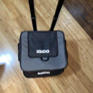 Igloo Roller Cooler for Sale in Santa Maria, CA