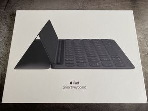 Apple Smart Keyboard for iPad for Sale in Jersey City, NJ