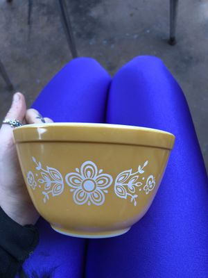 Vintage Yellow Floral Pyrex Bowl for Sale in Seattle, WA