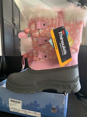 Kids snow boots size 3 for Sale in Glendale, AZ