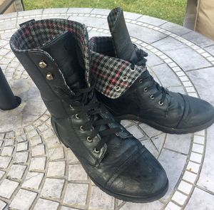Combat boots size 8 for Sale in Peoria, IL