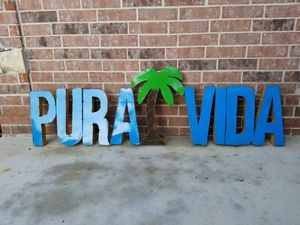 Metal XL PURA VIDA SIGN WALL DECORATION for Sale in Wylie, TX