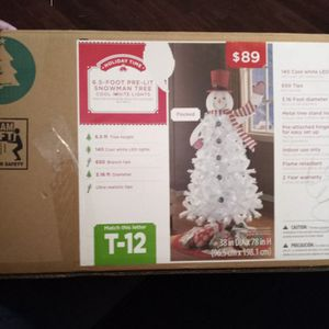 CHRISTMAS TREE SNOWMAN 6.5 FT for Sale in Phoenix, AZ
