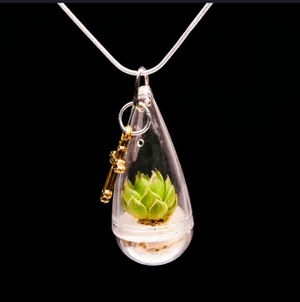 AliVe SuCCuLeNt LoTuS PLanT NeCkLaCe for Sale in Bountiful, UT